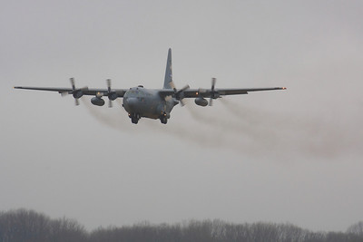 85-0036  Lockheed C-130H Hercules  on Final Approach CLE 6L!