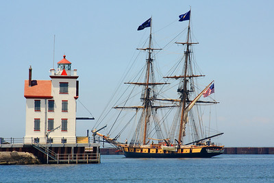 Flagship 'Niagara' - Passing the Lorain Light, Headed for 'Put In Bay'!