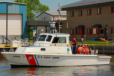 USCG Station Lorain - The 41 Foot UTB Heads Out!