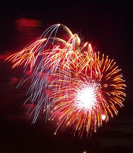 Fireworks Across the Sky!