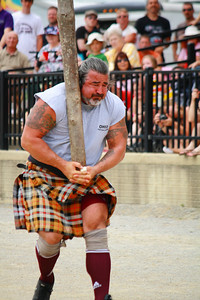 Ohio Scottish Games 2010 - Competing in the 'Caber Toss'!