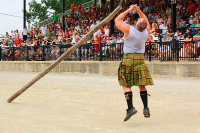Ohio Scottish Games 2010 - Getting a Feel for the 'Caber'!