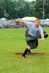 Ohio Scottish Games 2010 - Intensity of Competition in the 'Weight Throw'!