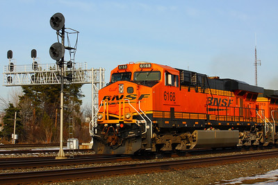 BNSF #6168 - Speeding Past the Signals in Berea!
