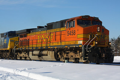 BNSF #5458 at the Lead!