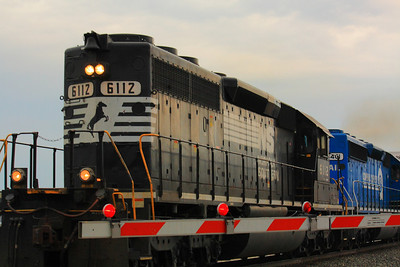 NS #6112 & #3401 - A Pair of EMD SD40-2's!