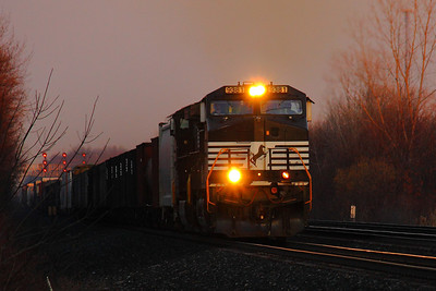 NS #9381 - Passing through CP216 on the NS 'Chicago Line'!