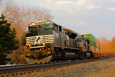 NS #2704 - An EMD SD70M-2 Up Front!