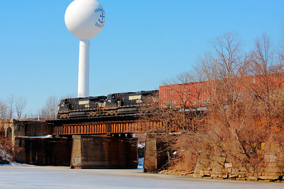 NS #9145 #9122 - Westbound on Track #1 over the Vermilion River!