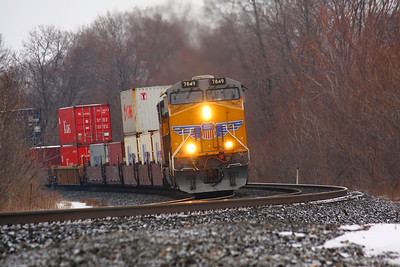 Union Pacific #7849 - Powering into the Bend!