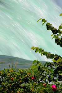 Niagara - Swooshing over the Edge!