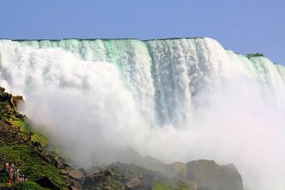Niagara's Majestic Roar!
