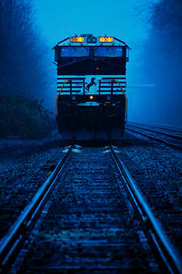 NS #9904 - Waiting for a Crew, In the Rain &Fog!