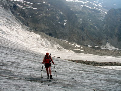 Crossing the Ried Glacier.  On a warm afternoon the surface should be soft and gritty enough not to require the use of crampons.  6.20pm, 15/07/10