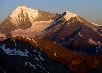 Weisshorn and Bishorn.  This and the previous were taken on the way up the Grosser Bigerhorn from the Bordier Hut.  6.05am, 16/07/10