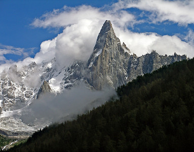 Le Petit Dru from Camping Mer de Glace.  We had just arrived at the campsite and were queuing at the reception, when the cloud began to break up.  2.45pm, 29/08/10