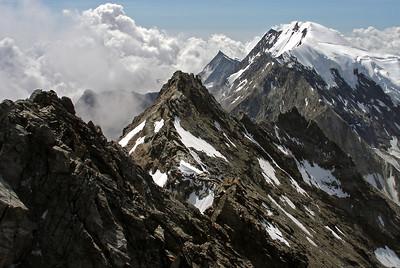 Lagginhorn, 4010m, summit ridge.  11.40am, 09/08/12