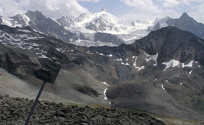 There's a path that leads from the d'Ar Pitetta, over the Col de Milon (centre), to join the Tracuit hut path.  3.30pm, 27/07/12