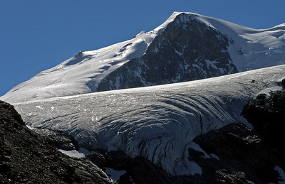Bishorn and a lateral snout of the Turtmann glacier.  10am, 30/07/12