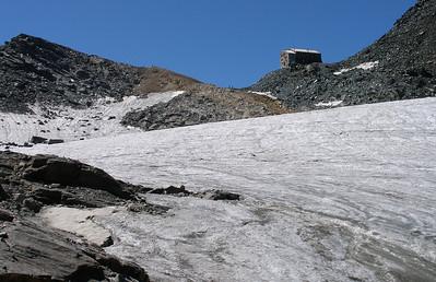 Britannia Hut, and the Chessjen glacier.  11.20am, 11/08/12