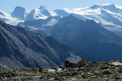Almagellerhütte (SAC), 2894m.  5pm, 15/08/13