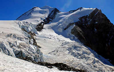 Castor and the Little Verra glacier.   I was back at the Val d'Ayas Hut for 11am.  10.35am, 21/08/13