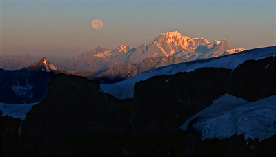 Mont Blanc, moonset and sunrise.  6.50, 21/08/13