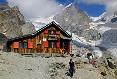 Mezzalama Hut (CAI), 3004m.  3.30pm, 21/08/13
