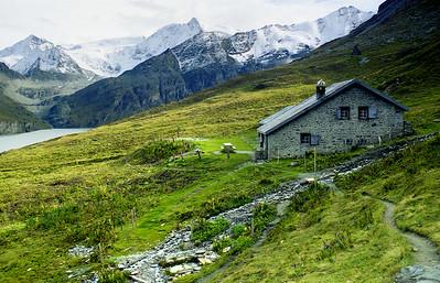 Cabane des Gentianes (or  La Barma), 2458m,  Lac des Dix. Mont Blanc de Cheilon centre and La Luette right.  5pm, 22/09/99