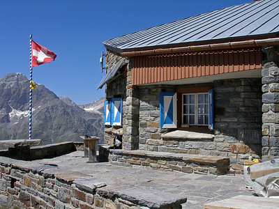 Domhütte, 2940m.  2pm, 19/08/12  Shut, for the construction of . . .