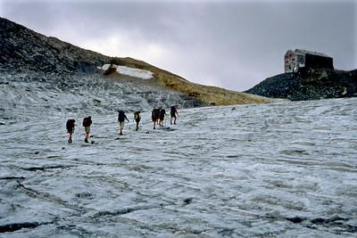 Britanniahütte (SAC), 3030m.  4pm, 21/08/03