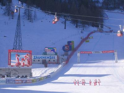 The women's downhill about to get underway in Zauchensee (credit: USSA)