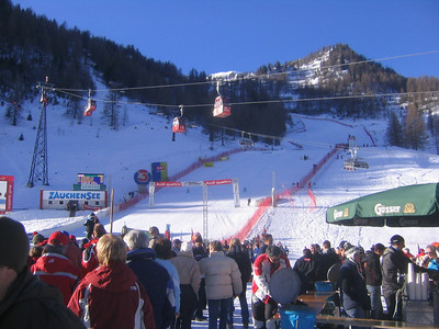 Fans begin to pile into the finish area prior to the start of the women's downhill (credit: USSA)