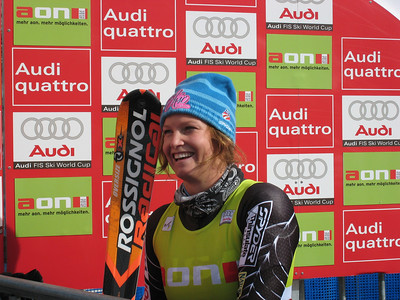 Julia Mancuso smiles in the leader position (credit: Doug Haney/U.S, Ski Team)