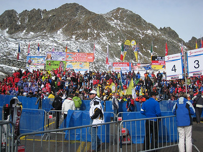 Fans fill the stands prior to the star of the women's first run (credit: Doug Haney/U.S, Ski Team)