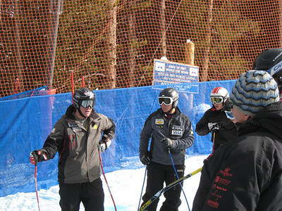 Marc Sullivan (Squaw Valley, CA) talks to young racers about the about the Birds of Prey downhill during the USSA's National Development System camp at Beaver Creek Resort (Dec. 4) Credit: Juliann Fritz/U.S. Ski Team