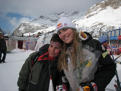 World Champion Lindsey Vonn poses for a photo with a young fan following the women's slalom. Vonn crashed in the second run, but spent a half hour signing autographs and taking pictures after the race (Doug Haney/U.S. Ski Team)