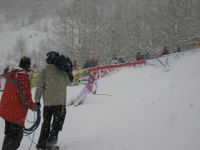Lindsey Vonn zooms into the finish to a huge cheer from fans at the Aspen Winternational. Photo: Doug Haney/U.S. Ski Team