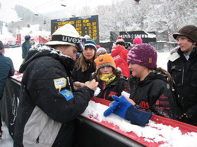 Hailey Duke signs autographs for fans at Aspen Winternational. Photo: Doug Haney/U.S. Ski Team