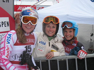 (l-r) Lindsey Vonn, Sarah Schleper and Julia Mancuso pose in the finish after loading the giant slalom top 20 at the Aspen Winternational. Photo: Doug Haney/U.S. Ski Team