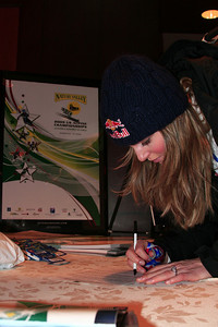 Lindsey Vonn checks in at Alyeska Resort for the Nature Valley U.S. Alpine Championships (Jen Desmond/USSA)