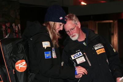 Lindsey Vonn shows off her new brace to coach Chip White at Alyeska Resort (Jen Desmond/USSA)