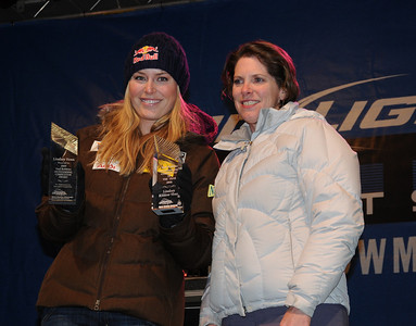 The U.S. Ski Team's Lindsey Vonn is honored at the Aspen Winternational with the Paul Robbins Outstanding Athlete Award, presented annually by the North American Snowsport Journalists Association. NASJA member and noted local journalist Cindy Hirschfeld made the presentation. (U.S. Ski Team/Lindsey Sine)