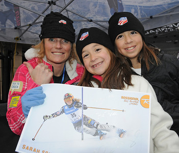 Sarah Schleper poses with fans as U.S. Ski Team athletes sign autographs at the Aspen Winternational, the women's only stop in the USA on the Audi FIS World Cup. (U.S. Ski Team/Tom Kelly)