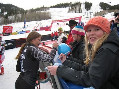Julia Mancuso signs autographs for fans following the giant slalom portion of the Aspen Winternational (Doug Haney/U.S. Ski Team)