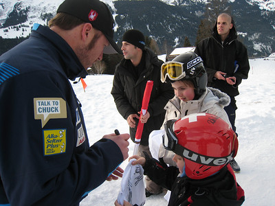 Bode Miller signs autographs for young Swiss fans after winning the super combined in Wengen (Doug Haney/U.S. Ski Team)