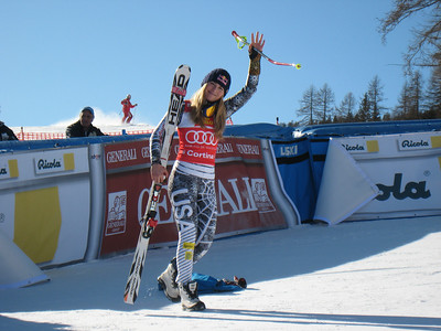 Lindsey Vonn waves to the fans on her way to the top of the super G podium in Cortina (Doug Haney/U.S. Ski Team)