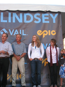 (l-r) Vail Mayor Dick Cleveland, Aldo Radamus of the Vail Valley Foundation, Lindsey Vonn and Tamara McKinney at the Lindsey Vonn pep rally in Vail (Doug Haney/U.S. Ski Team)