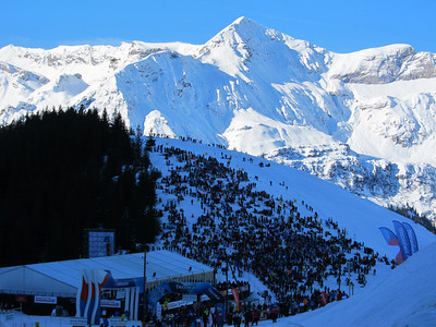 Fans pack Wengenalp for a perfect view of the Hundschopf jump in Wengen (Doug Haney/U.S. Ski Team)
