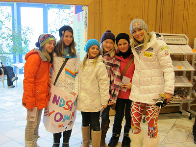 A group of young Austrian fans with Lindsey Vonn following her second place finish in the Zauchensee super G (Doug Haney/U.S. Ski Team)
